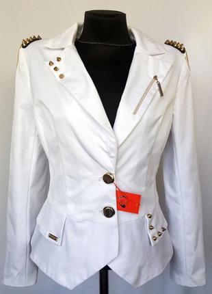 Суперцена. стильный белый пиджак, погоны. новый, р. m, l