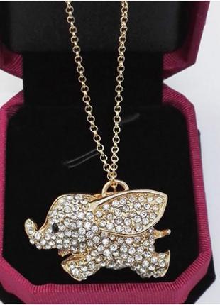 Красивый кулон с кристаллами слоник