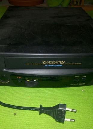 Видеомагнитофон кассетный Daewoo