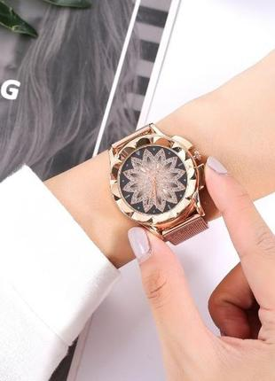 Шикарные женские наручные часы с металлическим браслетом