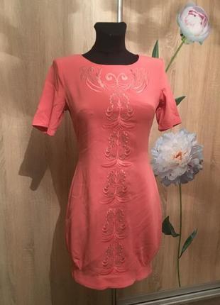 Нежное платье-миди с вышивкой от defile lux