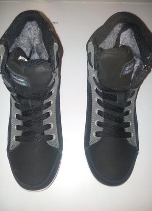 Зимние женские ботинки .НОВЫЕ .