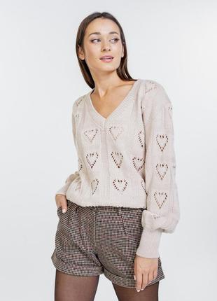 Ажурный вязаный пуловер женский с сердечками