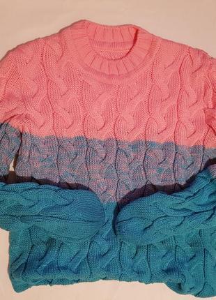 Объемный теплый свитерок