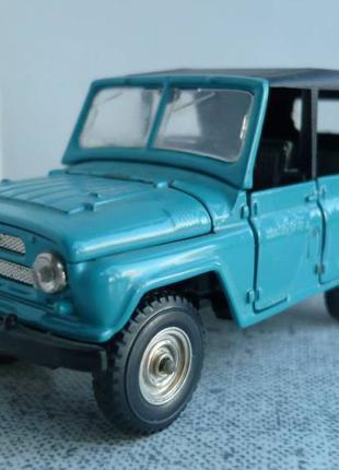 УАЗ-469 (А34) 1:43 Агат