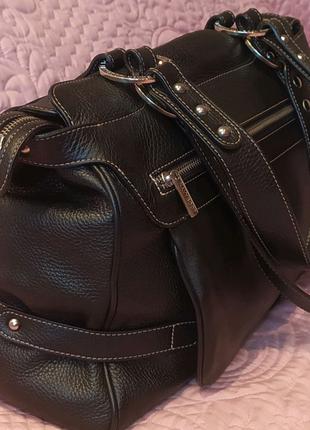 Роскошная  кожана сумка дорогого швейцарского бренда navyboot