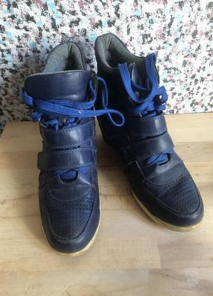 Сникерсы синие ботинки кроссовки осень весна