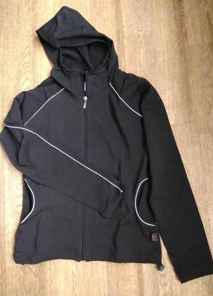 Спортивная кофта с капюшоном / куртка
