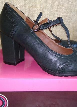 Стильные туфельки темно-зеленого цвета на высоком устойчивом к...