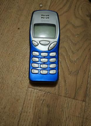 Телефон Nokia 3210