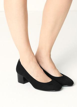 замшевые туфли на устойчивом каблуке закру...
