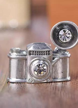 Брошь бижутерия с эмалью ретро фотоаппарат