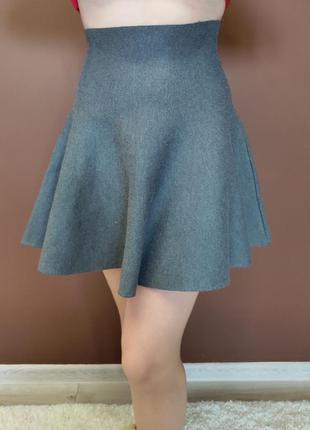Необычная юбка с высокой посадкой