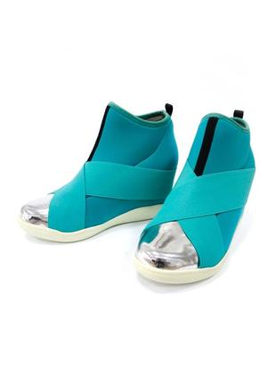 Распродажа! ботинки на танкетке fessura