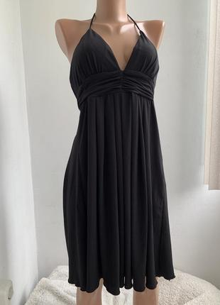 Красивое платье с глубоким декольте и открытой спиной bcx сша