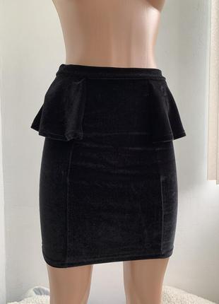 Велюровая юбка с баской stradivarius