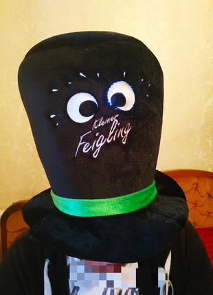 Карнавальная шапка,светятся глаза