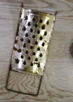 Продам металлическую крупную тёрку