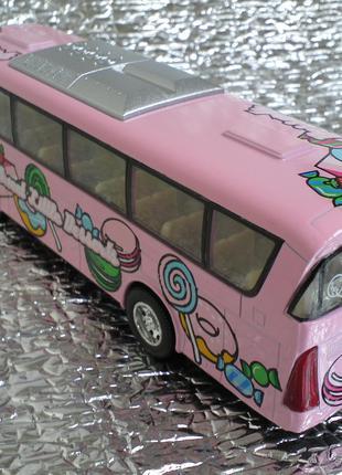 Автобус-Турист,металл,открывается дверка.