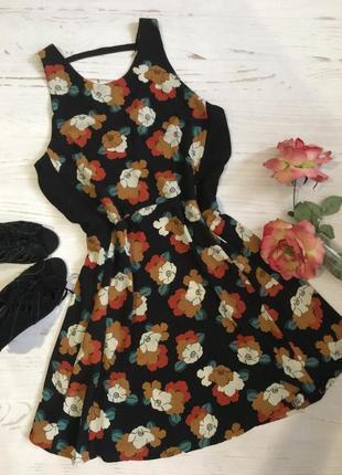 Красивое платье в цветочный принт 🌸
