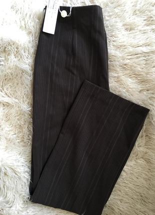 Стильные брюки в полосочку с высокой талией