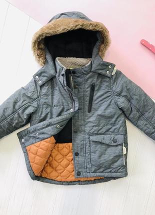 Тёплая зимняя куртка на мальчика