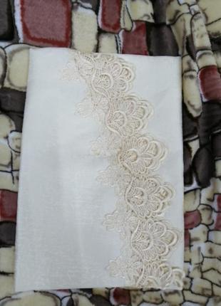 Скатерть на круглый стол *180, в наличии расцветки(белая, айвори)