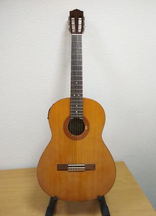 Электроакустическая, классическая гитара Yamaha C-60
