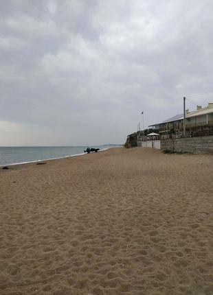 Затока продам 1линия от моря , участок под отель 30 соток