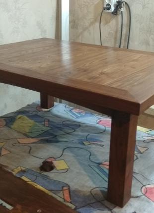 Стол кофейный, деревянный. Вяз.
