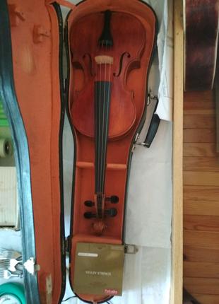 Скрипка 4/4, без смичка