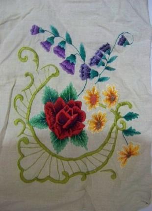 Вышивка гладью на подушку наволочка льон цветы анютины глазки ...