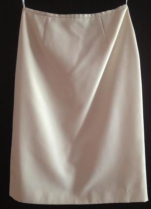 Элегантная юбка молочного цвета р.44-46