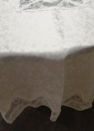 Качественная белая кружевная скатерть на круглый стол. круглая...