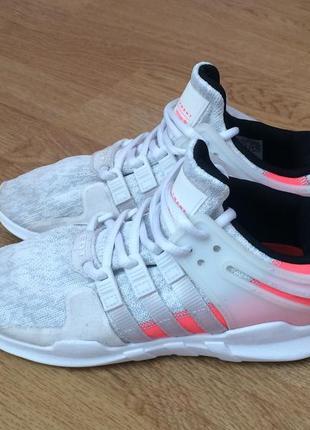 Кроссовки adidas оригинал 33 размера в идеальном состоянии