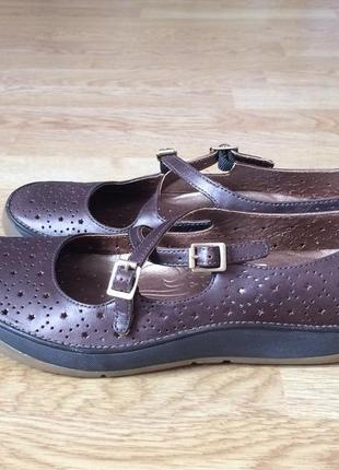 Кожаные туфли clarks англия 38 размера в состоянии новых