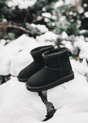 Ugg classic mini black детские замшевые зимние угги на овчинке