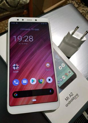 Xiaomi mi a2 4/64 супер состояние! Полный комплект!