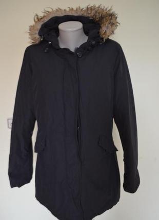 Очень теплая легкая качественная курточка пуховик с капюшоном