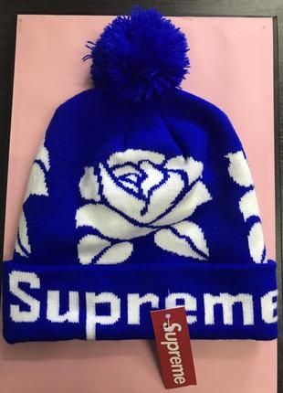 Шапка supreme the roses очень яркая модель