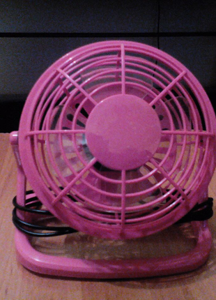 Вентилятор маленький, настольный
