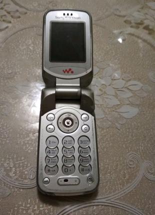 Телефон Sony Ericsson W300i