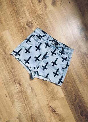 Крутейшие джинсовые шорты завышенная талия с крестами affair