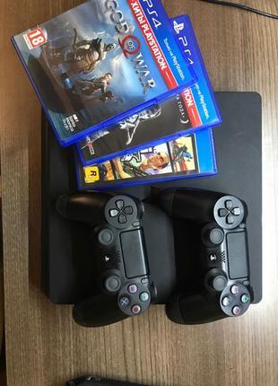 PlayStation 4 Slim 1Tb + 5 игр