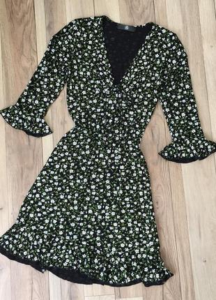 Цветочное трендовое платье missguided