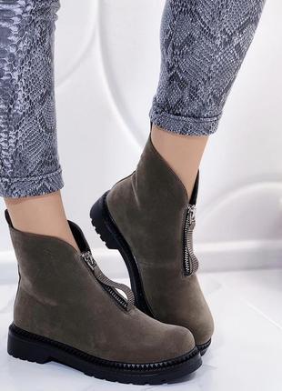 Новые женские зимние ботинки цвета хаки
