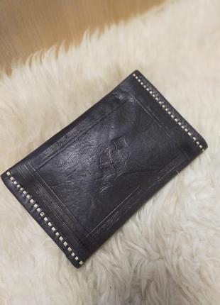 Кожаный кошелек бумажник