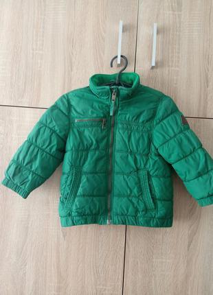 Яркая куртка осень-весна