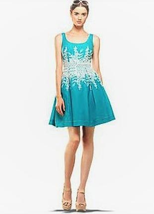 Платье c пышной юбкой (сша) 44-46, декорированное вышивкой в о...