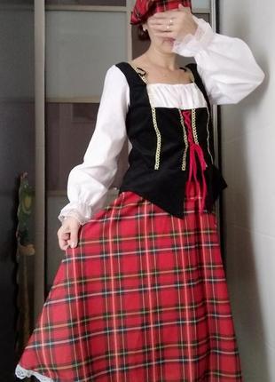 Шотландская национальная женская одежда с-м